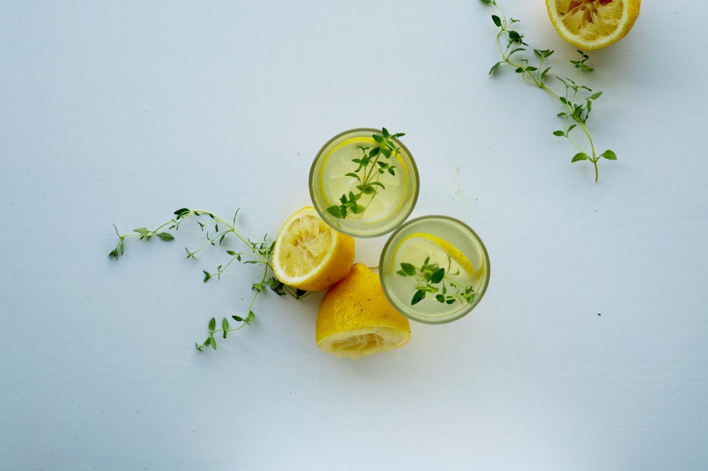 cordial, citroenen en tijm